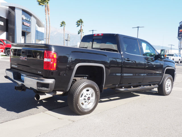 Certified Pre-Owned 2019 GMC Sierra 2500HD 4WD Crew Cab 153.7 SLE