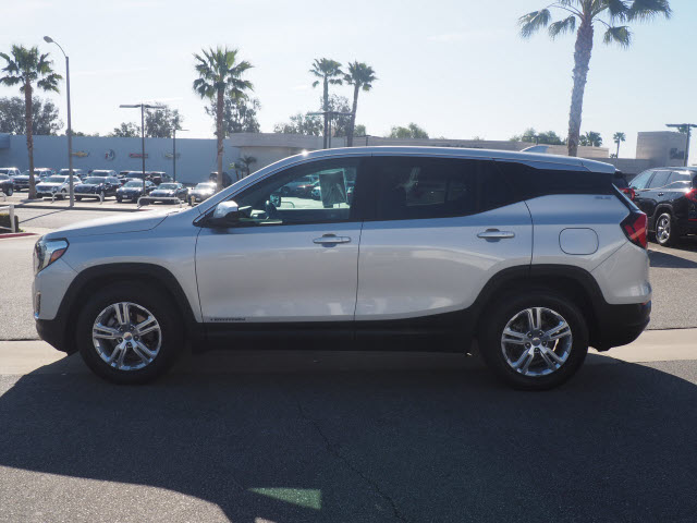 Certified Pre-Owned 2018 GMC Terrain FWD 4dr SLE