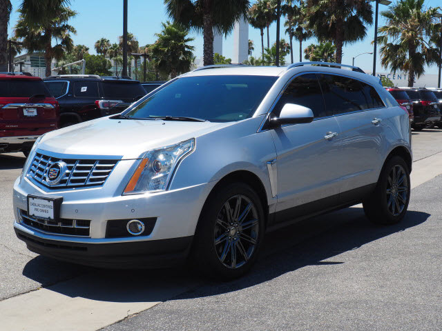 Certified Pre-Owned 2016 Cadillac SRX FWD 4dr Performance Collection